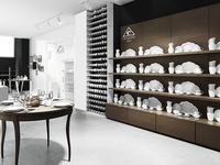 Kultowa porcelana pod Wawelem. Nowy salon z porcelaną